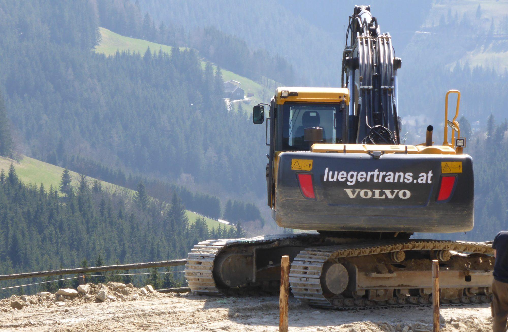 Transporte & Erdbewegung Lueger